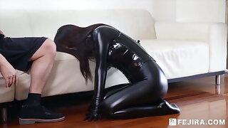 Fejira com – Fetish slave girl become a valise