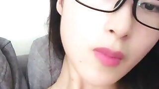 chinese teens live chat with mobile phone.56
