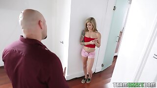 Svelte fresh pale blonde girl Roxy Ryder gives awesome BJ to fat flannel